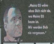 Im Gespräch mit kicker-Reporter Michael Ebert schildert Sandro Schwarz, was sich alles in Mainz änderte, als Wolfgang Frank 1995 Trainer beim FSV wurde.